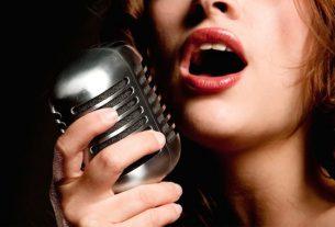 Mơ thấy ca hát